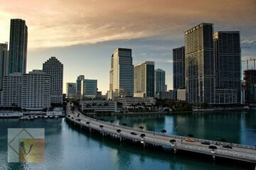 bridge-miami-downtown-photo-cc
